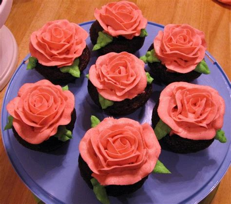 How To Make Sugar Roses For Cake Decorating by Discover And Save Creative Ideas