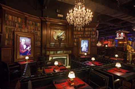 halloween themes restaurant jekyll hyde club