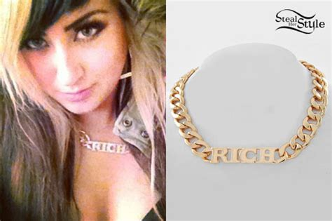 madelaine petsch name necklace allison green rich chain necklace steal her style