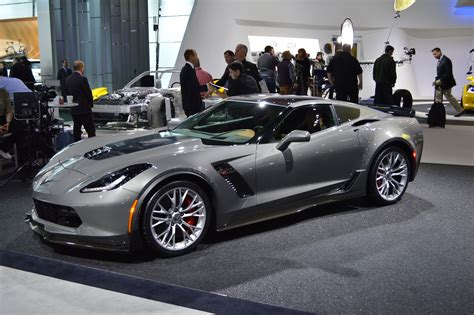 corvette stingray z06 vice president biden has a real love for corvettes