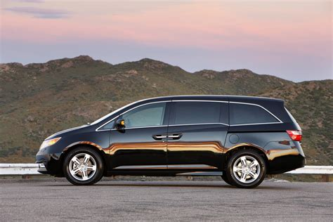 honda odyssey dimensions 2012 honda odyssey technical specifications and data