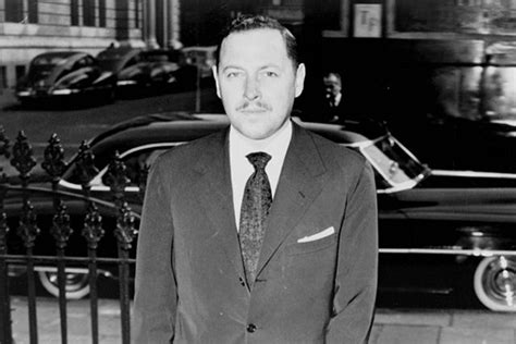 biography tennessee williams the real story of playwright tennessee williams on point