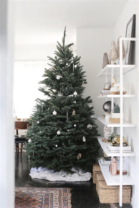 decorate a modern christmas tree