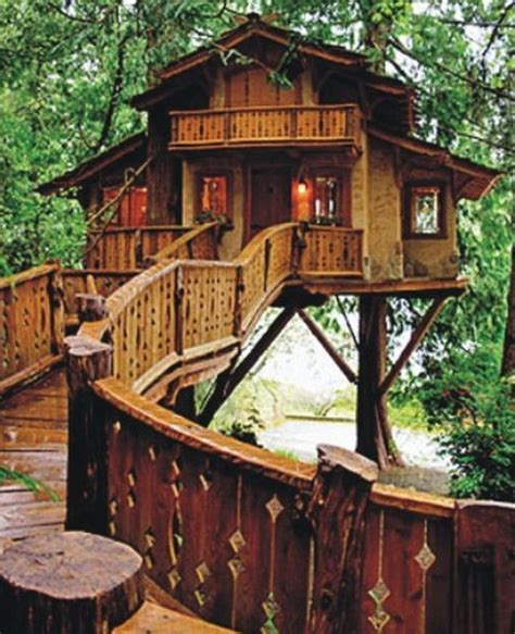 treehouse homes i want to live in a pete nelson designed treehouse the