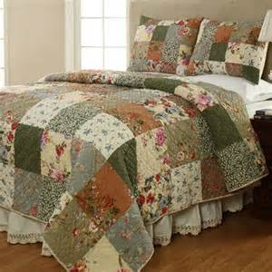 Ruffled Coverlet Naomi Cotton Patchwork Quilt Set Bedding