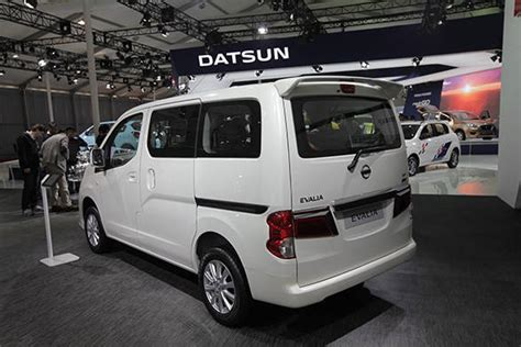 Karpet Nissan Evalia auto expo 2014 nissan evalia refresh unveiled in india