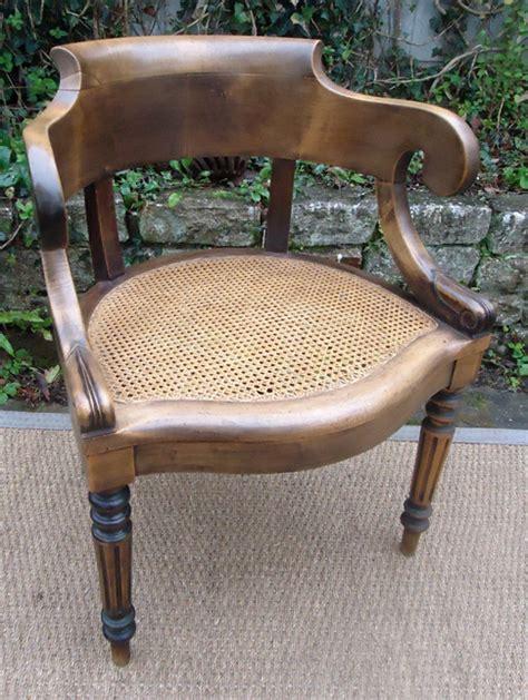 fauteuil de bureau louis philippe beau fauteuil ancien de style louis philippe en noyer