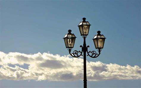 ditte illuminazione appalto sull illuminazione guerra tra ditte e comune il