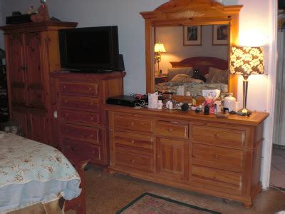 everybody loves raymond bedroom set alan world for sale used bedroom set mark s clutter and