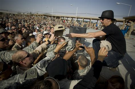 kid rock uso kid rock doesn t want praise for touring with uso music