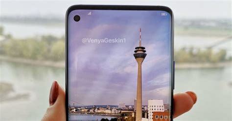 Samsung Galaxy S10 6 7 Inch by Samsung S Galaxy S10 Will Reportedly Get A 6 7 Inch Screen And 6 Cameras