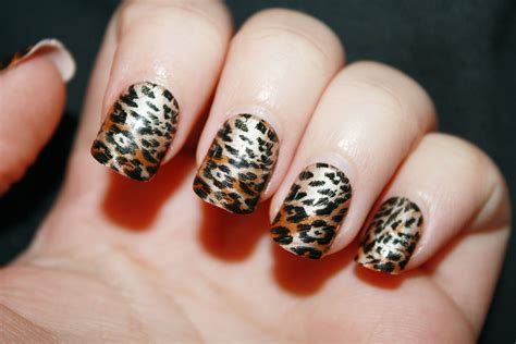 leopard pattern nail art leopard print nail designs how you can do it at home