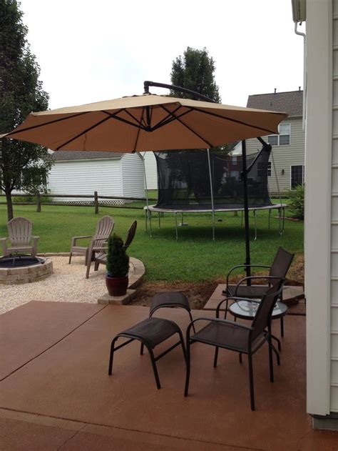 Overhang Patio Umbrella 14 Best Images About Backyard Patio Redesign Project On Books Pits And Stains