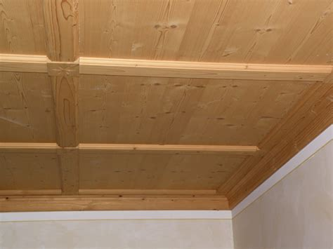 rivestimento soffitto in legno rivestimento soffitto legno idee creative di interni e