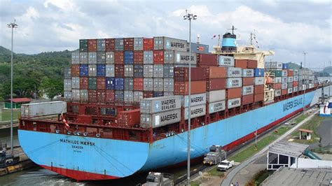 shipping boat to panama panama canal registers increased tonnage in 2014 the