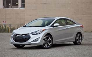 Hyundai Elantra Uae Hyundai Elantra Prices Specs And Information Car Tavern
