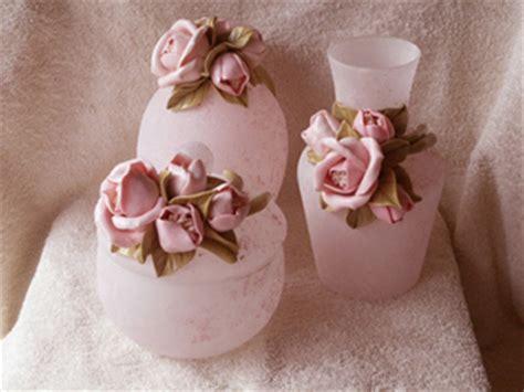 fiori pasta di sale vasi in vetro sabbiato decorati con fiori in pasta di sale