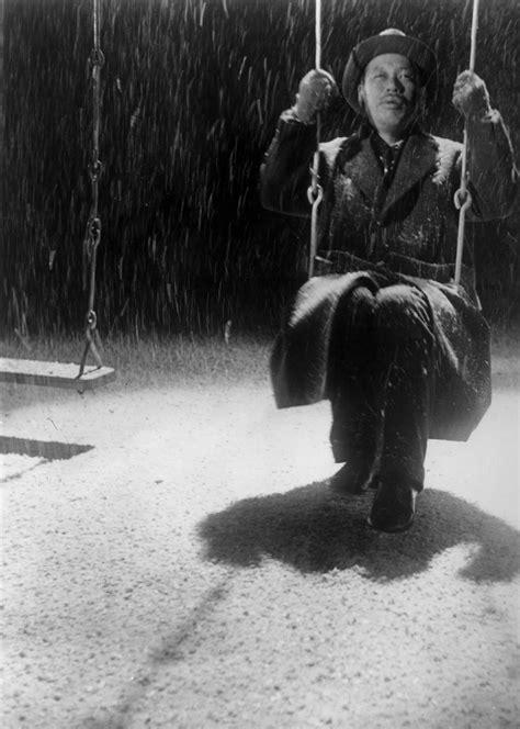 ikiru swing scene best moments in film history the end of ikiru the blog