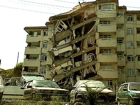 earthquake effects how do earthquakes affect mankind