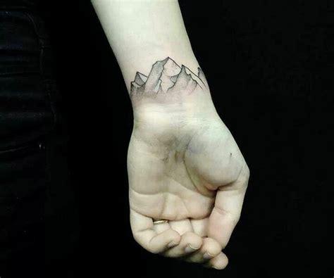 Moderne Tattoos Vorlagen Am Handgelenk 40 Ideen F 252 R Frauen Und M 228 Nner