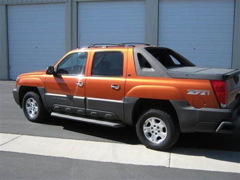 how cars engines work 2005 chevrolet avalanche 1500 auto manual sell used 2005 chevrolet avalanche 1500 z71 crew cab pickup 4 door 5 3l in yuma arizona united