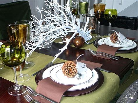 beautiful table settings green and brown 44 flower arrangements for christmas