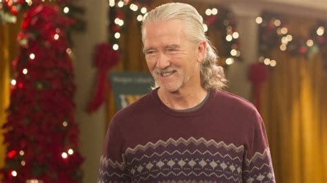 patrick duffy father patrick duffy on american housewife katie s dad is a