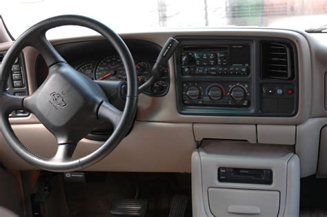 2003 Chevy Tahoe Interior by 2002 Chevrolet Tahoe Interior Pictures Cargurus