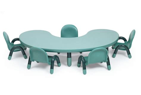 Toddler Kidney Table With 5 Chairs