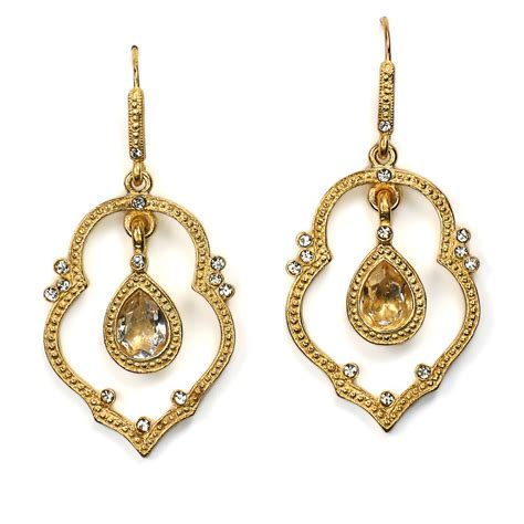 Chandelier Earing Things To Keep In Mind When It Comes To Chandelier Earrings Pink Earrings