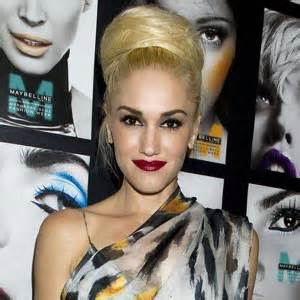 gwen stefani tattoo gwen stefani look pictures to pin on tattooskid