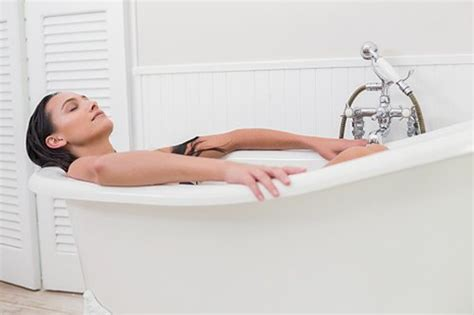 baking soda bathtub 10 health benefits of bath with baking soda