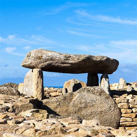 Le Cairn de Barnénez Plouezoc'h Finistère Tourisme 29