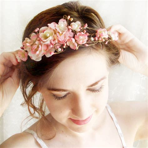 Flower Hair Accessories For Weddings by 4 Wedding Hair Accessories Flower 13 Weddings