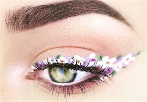 Eyeliner Flower floral eyeliner is the newest makeup trend you ll be