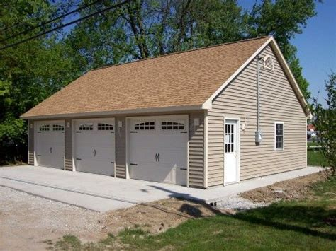 amazing garages with apartments 13 3 car garage with garage amazing 3 car garage designs 3 car garage designs