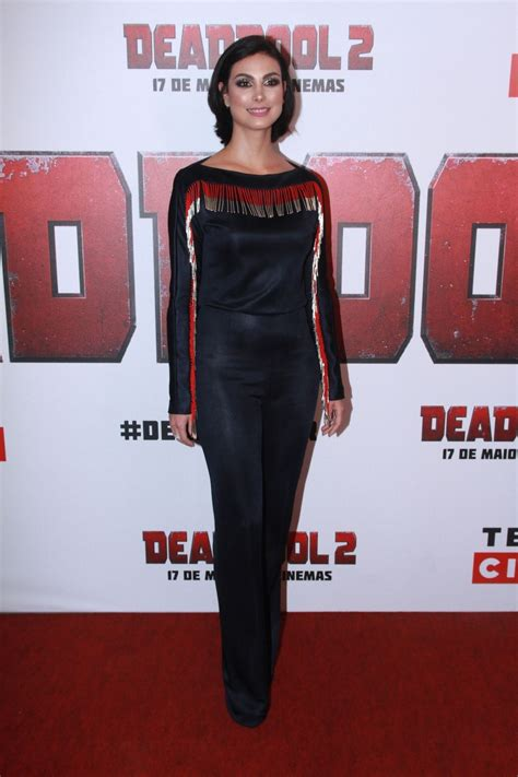 deadpool 2 carpet premiere morena baccarin at deadpool 2 premiere in sao paulo 05 06