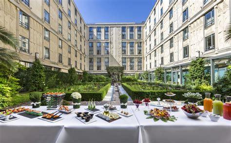 terrasse hotel l hotel du collectionneur arc de triomphe a