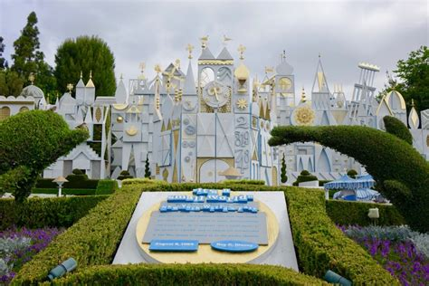 disneyland for families 2018 expert advice by for books disneyland during thanksgiving 100 images 8 reasons