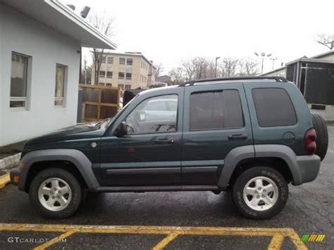 green jeep liberty 2005 deep beryl green pearl jeep liberty crd sport 4x4
