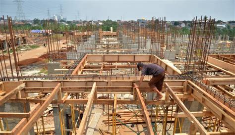 Lantai Multiplex bekisting pada pekerjaan beton kontraktor yogyakarta