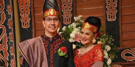 bagian tata urutan acara pernikahan adat na gok adat batak blog sipituama