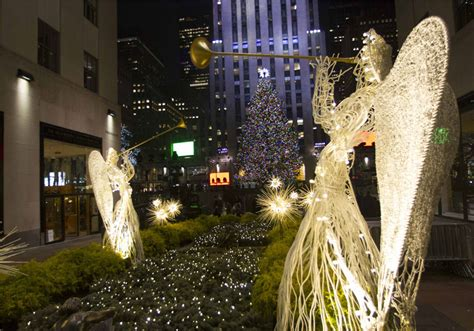 rockefeller center christmas tree lights up city 3