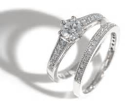 wedding band or engagement ring etiquette regarding engagement rings and or wedding rings