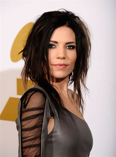 skylar pictures skylar grey medium cut skylar grey hair looks