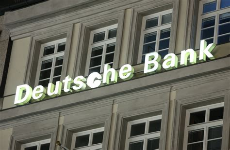 Deutsche Bank To Cut At Least 250 Investment Banking