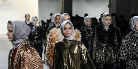 tren gaya  nyfw  bisa diadopsi hijabers kece