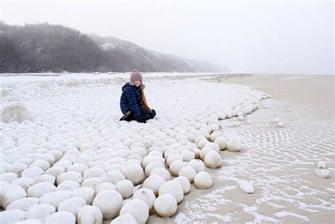 russian beach siberian snowballs could mean america is in for a very bracing winter daily mail online