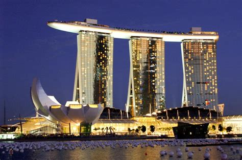 famous boat hotel singapore marina bay sands hotel in singapore indonesian passions