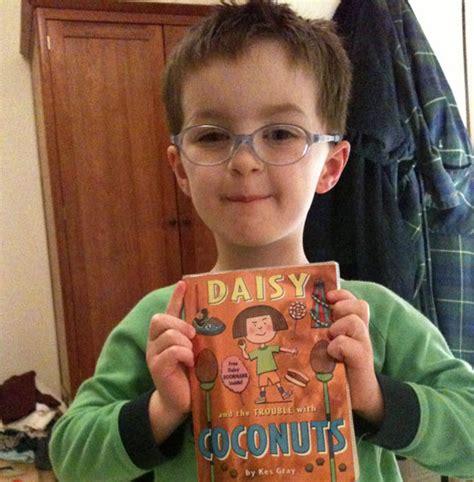 libro daisy and the trouble dejad a los libros ser libros o c 243 mo las ni 241 as y los ni 241 os pueden leer lo mismo libr 243 patas